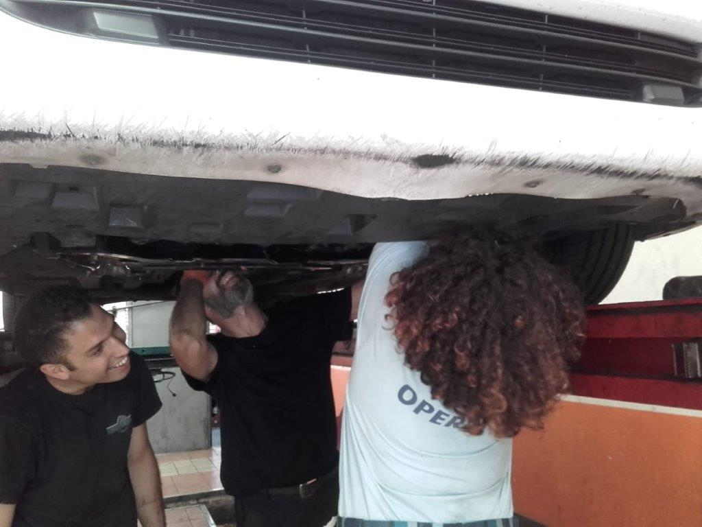auto con carrattrezzi 2